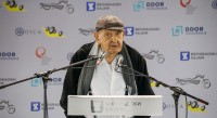 Međunarodni salon automobila i Međunarodni sajam motocikala Motopassion svečano je otvorio poznati srpski pozorišni, televizijski i filmski glumac Vlasta Velisavljević