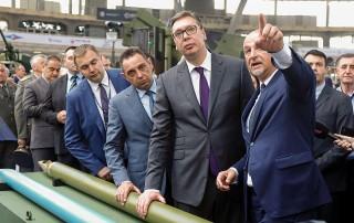 Председник Србије Александар Вучић обишао је штандове на Сајму наоружања ПАРТНЕР 2019.