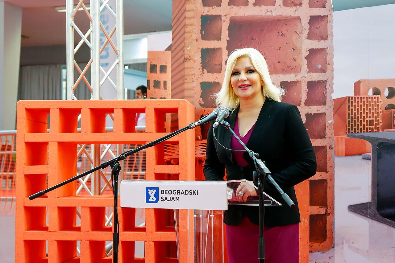 Zorana Mihajlović, ministarka građevinarstva, saobraćaja i infrastrukture